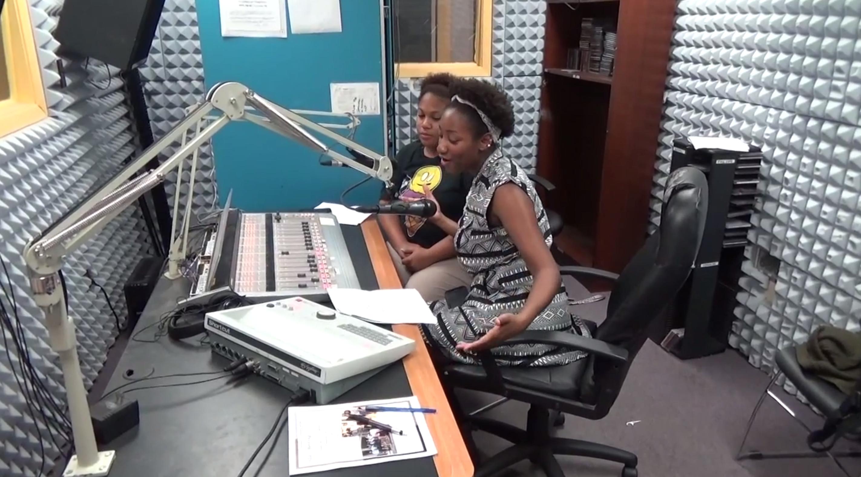 DJ Kenicxe With Her Show 'Popsi' on WPRL 91.7 FM