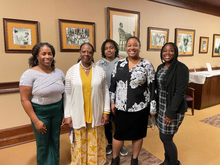 Office of Career Services and Pre-professional Programs Hosts 'Mix and Mingle'